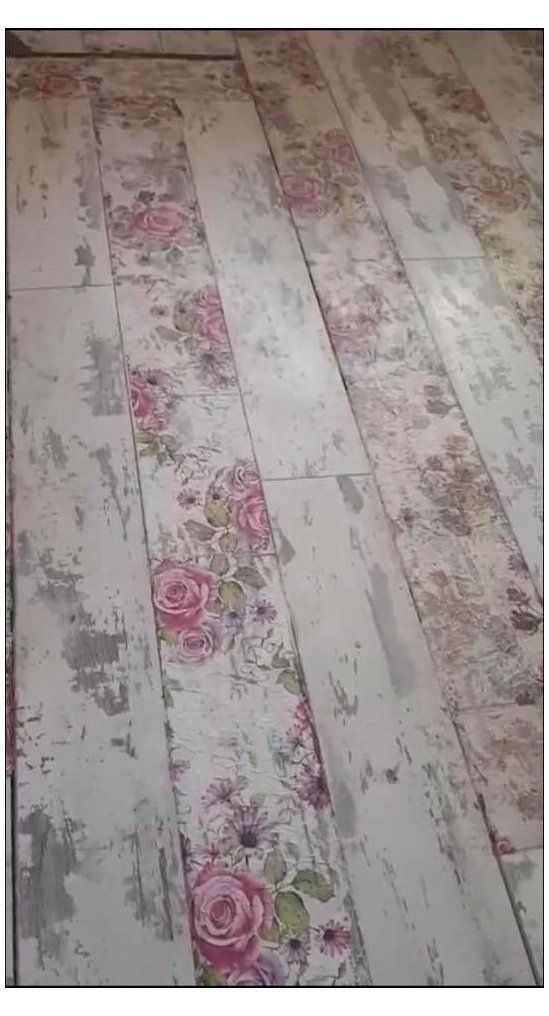 wooden floor with wallpaper for shabby style look