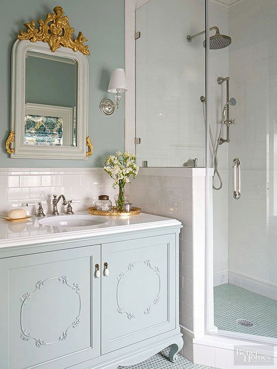 bathroom in shabby style