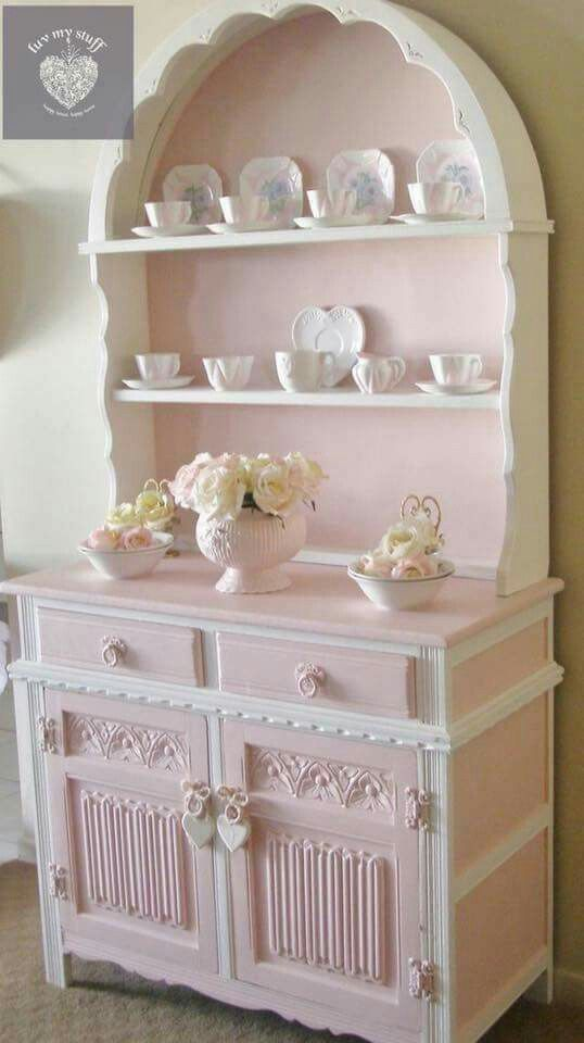 Glass collection in shabby chic style