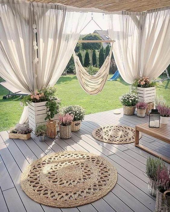 Modern Victorian terrace backyard decorating ideas with curtain