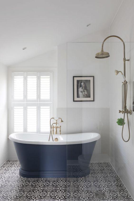 Soaking bathtub in blue color