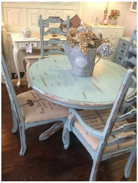 Shabby chic round dining room table