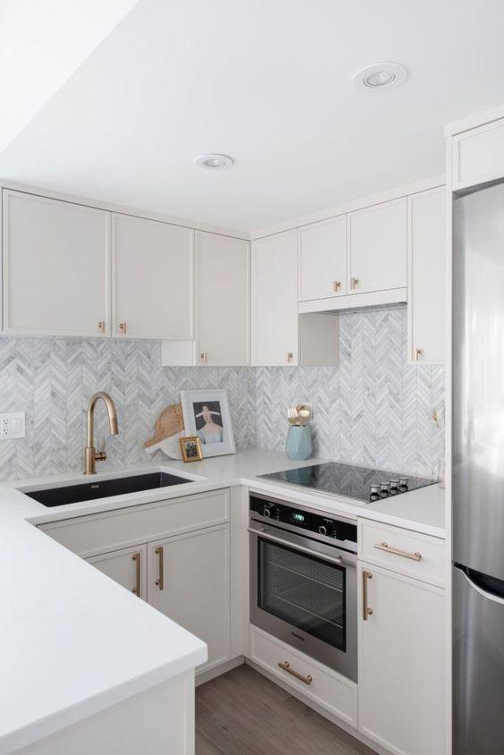 Small kitchen with modern Victorian design