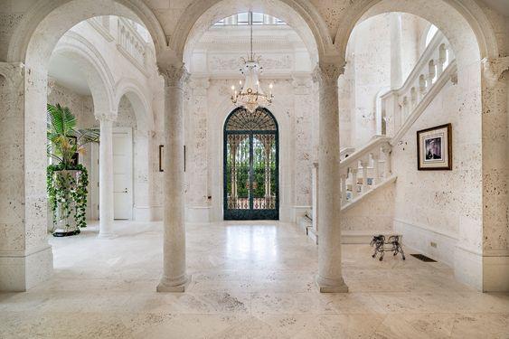Build pillars for Mediterranean home