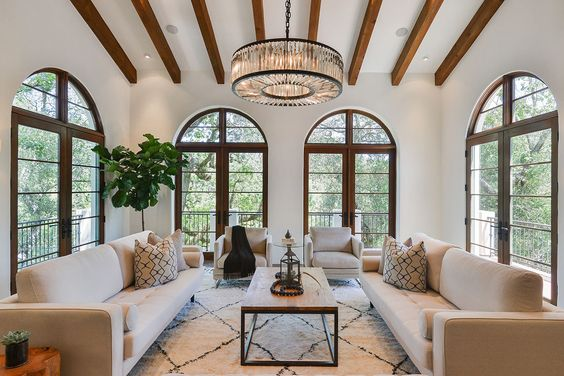 Mediterranean living room decorations