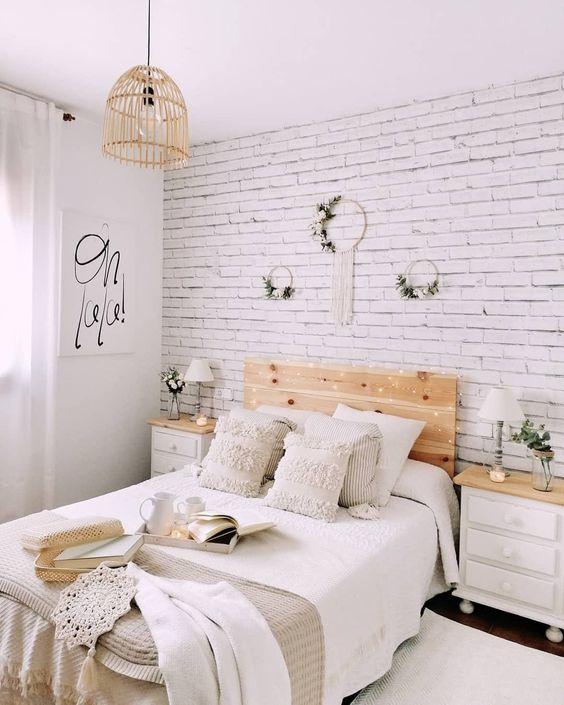 White bricks wallpaper in the bedroom