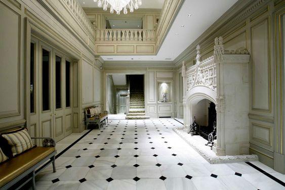 Floor tiles with pattern