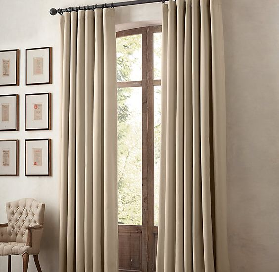 Long curtain in the dining room