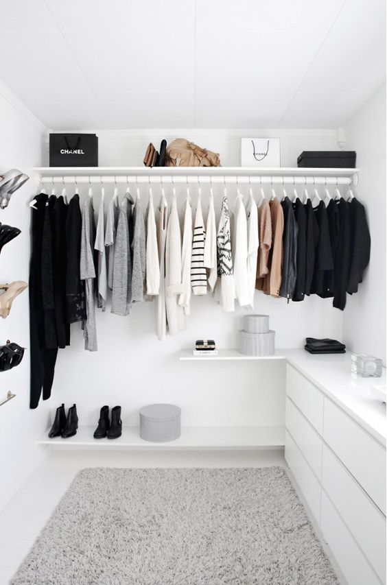 Minimalist dressing room