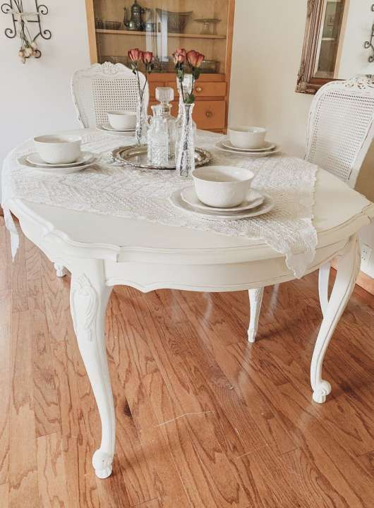 Shabby chic french style ding room table