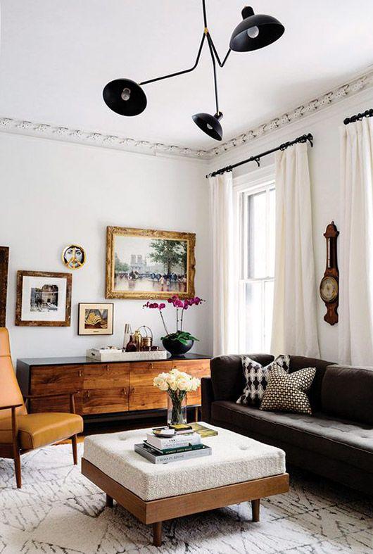 Cozy eclectic design living room