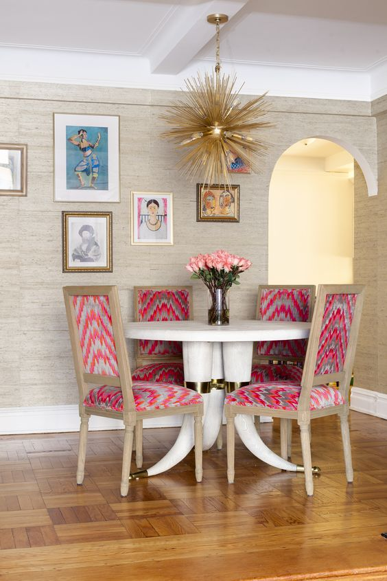 Eclectic dining table set