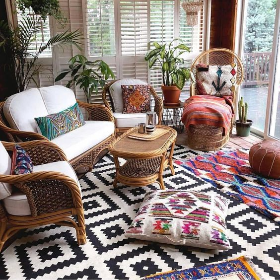 Rattan furniture in the eclectic home