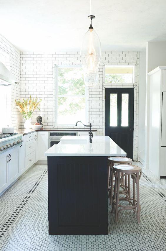 Modern Victorian simple white tiles