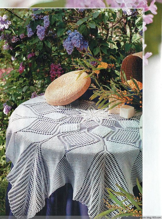 Knitting tablecloth types information