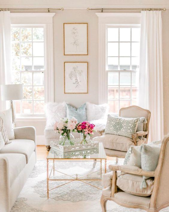 Shabby chic interior design ideas for a feminine accent