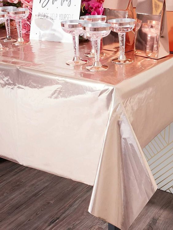 Tablecloth types information