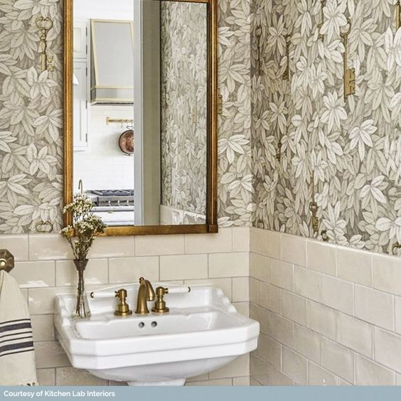 Leaves pattern with gold color bathroom mirror