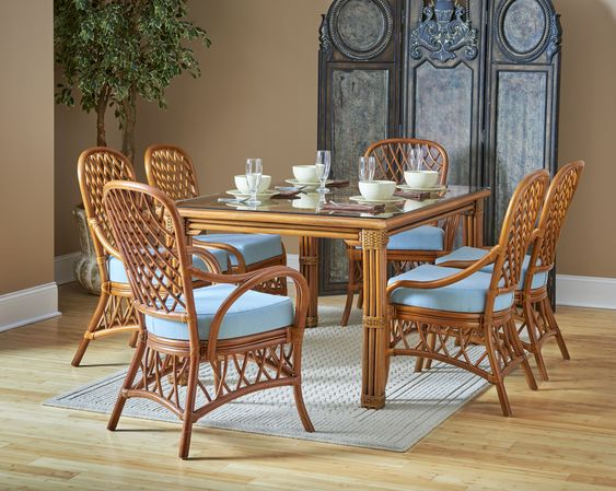 Rattan dining table set