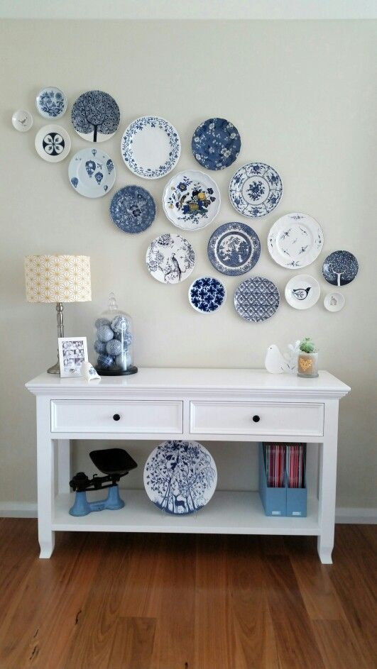 Blue and white color concept wall plate decorations