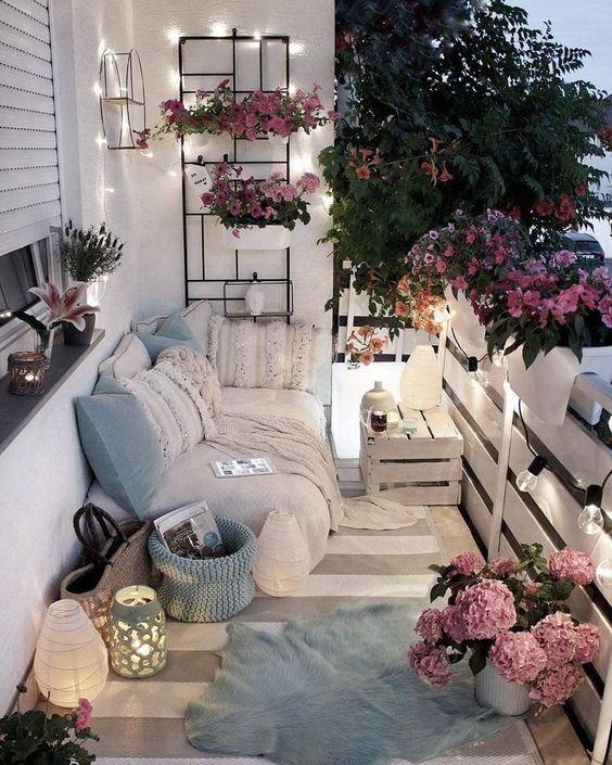 White Aesthetic Rustic Balcony Decor Ideas