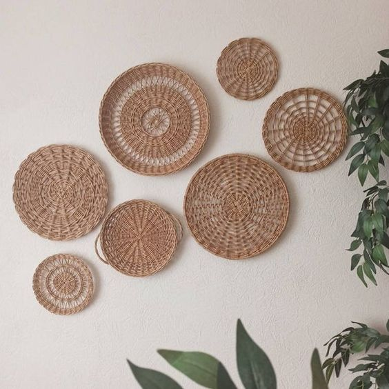 Natural impression from rattan plates decorations