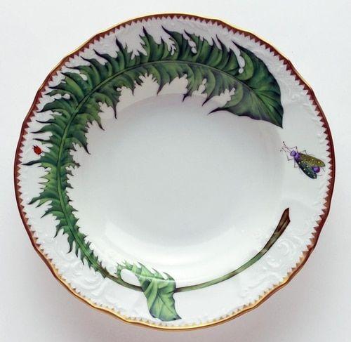 Simple green leaves pattern