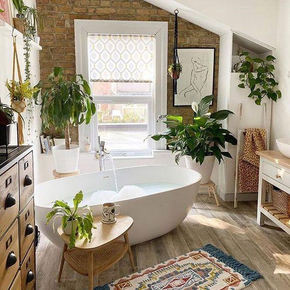 Simple and fresh bohemian bathroom